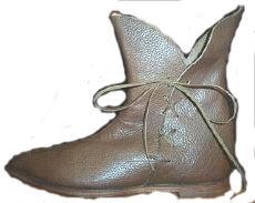 Medieval-Tulip-Boot