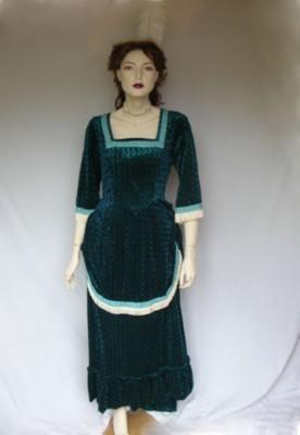 Edwardian-Anne-Bustle-dress-in-green