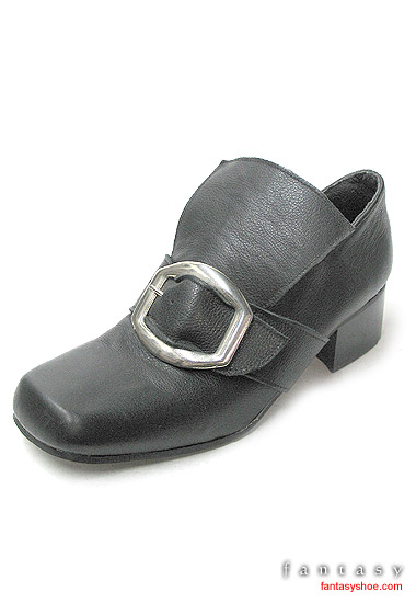 Tudor-or-Georgian-Buckle-Shoes