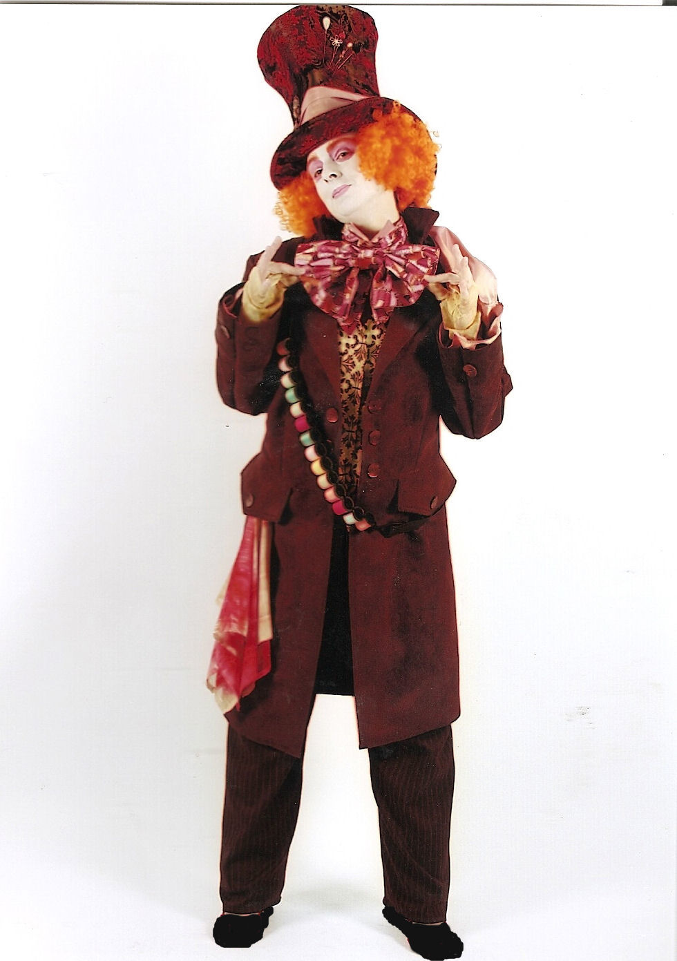 Tim-Burton-Mad-Hatter-Costume
