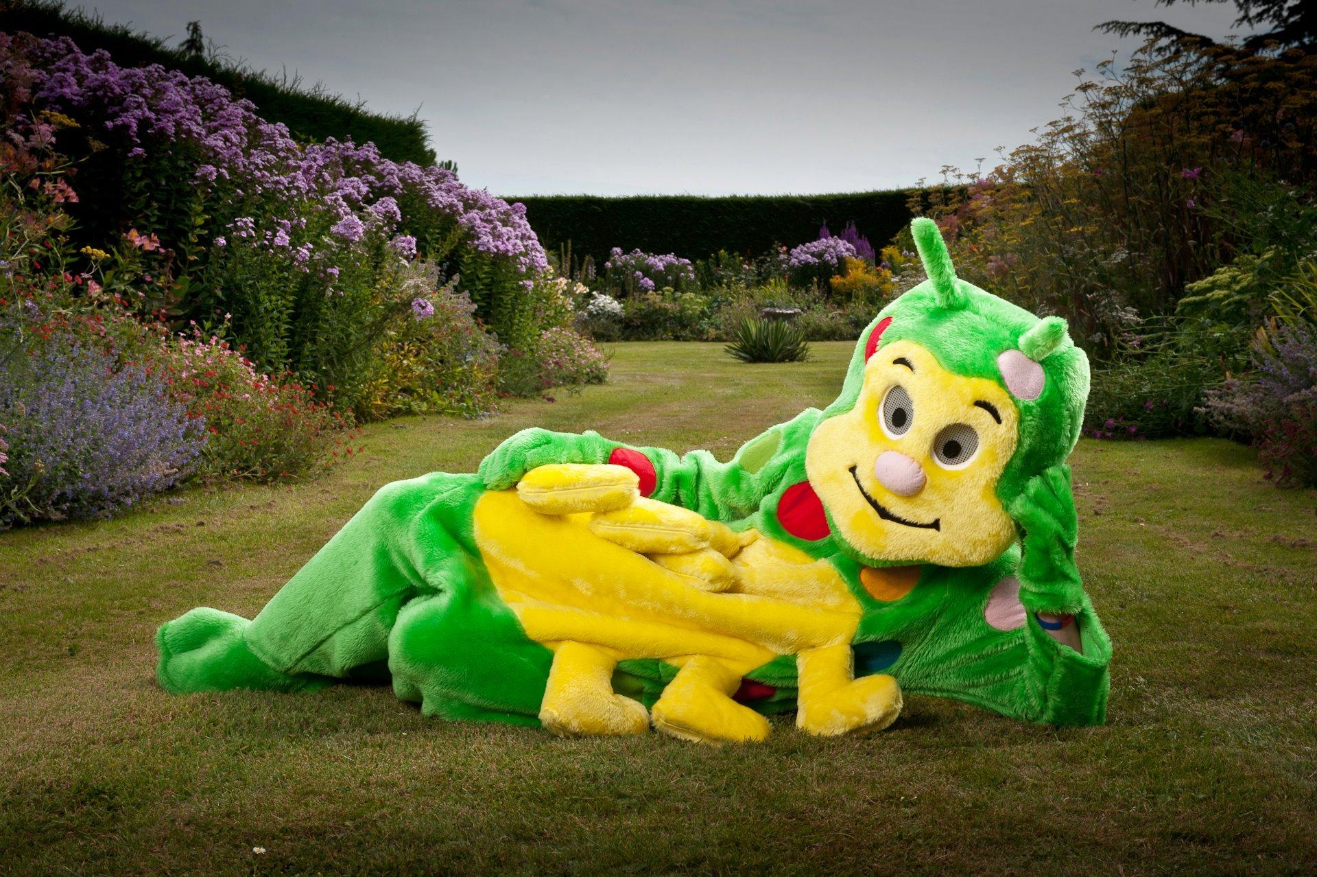 caterpillar-costume-1