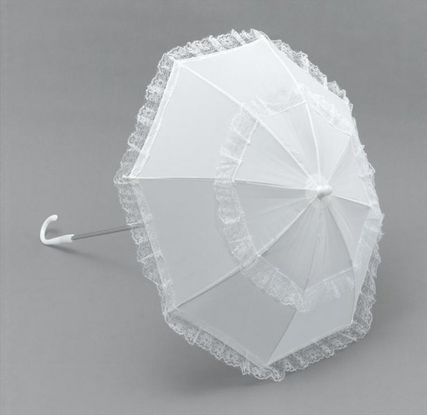 white_parasol_with_lace