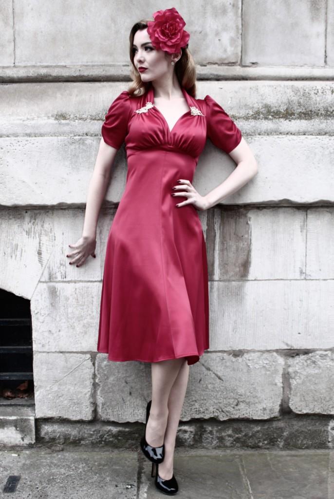stalet_satin_red_40s_dress