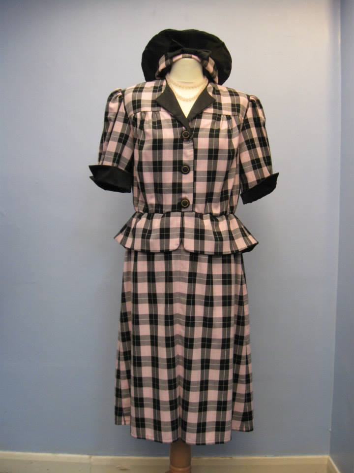 40s_Checked_Suit_Dress_&_Beret.
